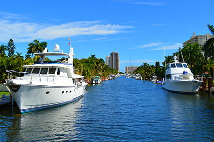Las Olas Isles neighborhood in Ft Lauderdale