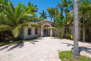 743 NE 17th Ct Fort Lauderdale, FL 33305