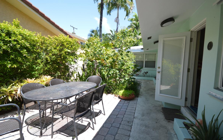1641 NE 3rd Ct # 2 Fort Lauderdale, FL 33301