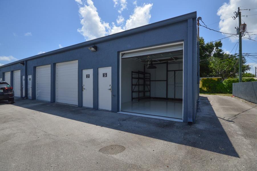 214 SW 14th Ct Fort Lauderdale, FL 33315