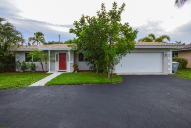 1801 NE 28th Ter Pompano Beach, FL 33062